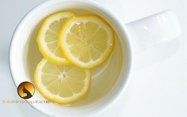 agua tibia con limones para que crezca el cabello mas rapido